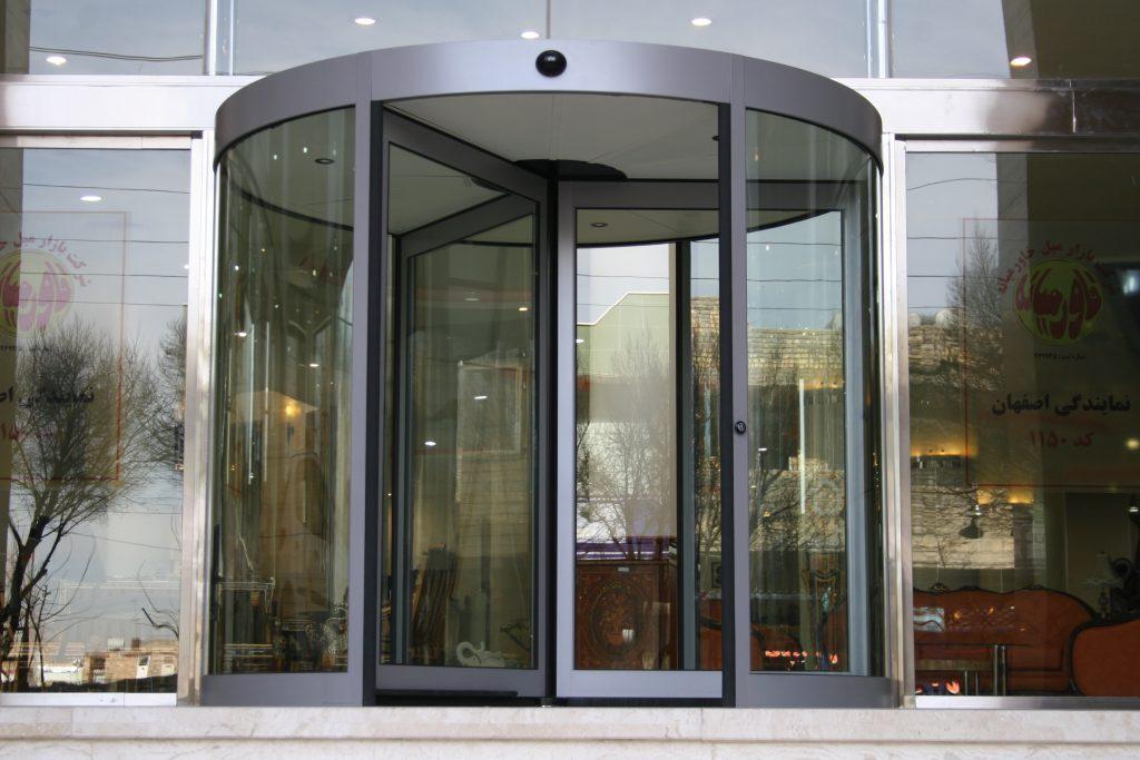 مکانیزم حرکتی درب اتوماتيك شیشه ای گردان   ساختار درب برقی شیشه ای چرخشی